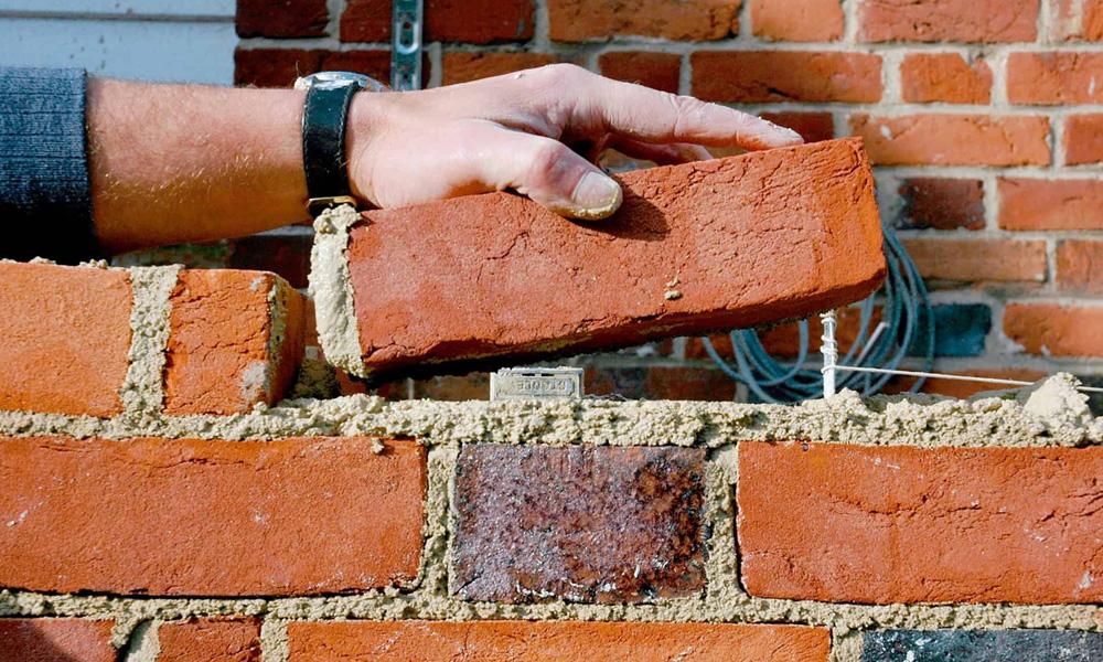 kőműves munka falazás