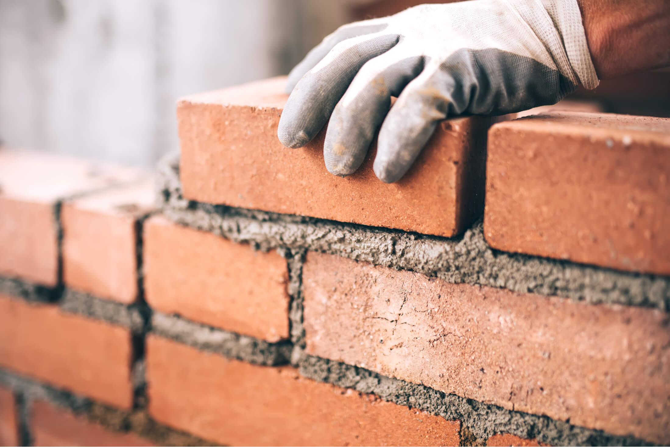 lakásfelújítás kőműves munkák elvégzése